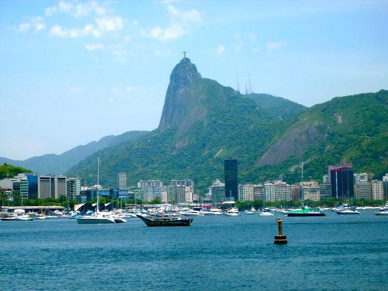 Corcovado_visto_pela_Urca_-_panoramio